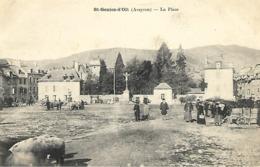 Saint Geniez D' Olt - La Place (animée) - Autres Communes