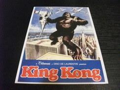 KING KONG SULLE TORRI GEMELLE CHE COMBATTE CON GLI AEREI TITANUS DINO DE LAURENTIIS - Posters On Cards