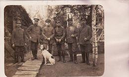 CP Photo Septembre 1916 Soldats Allemands Dans La Somme, Un Chien (A180, Ww1, Wk 1) - War 1914-18