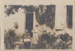 Photographie - Carte-Photo - Famille Jardin Maison - Journal - Cage Oiseau - Photographie