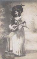 Photographie - Carte-Photo - Femme Déguisement Musique - La Rochelle ? - 1913 - Photographie