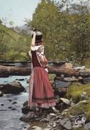Folklore De France L Ariege Bethmalaise A La Cruche Pres D Un Pont En Bois - Autres Communes