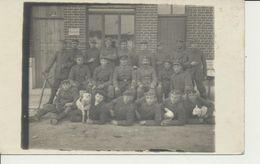AK Gruppe Vor Rasierstube - Guerre 1914-18