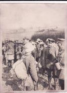 Photo Mars 1918 HOLNON (près Saint-Quentin) - Prisonniers Anglais, écossais (A180, Ww1, Wk 1) - France