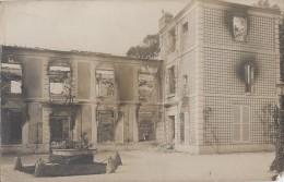 Photographie - Carte-Photo - Château Incendié Ou Bombardé  - Lieu à Localiser - Photographie