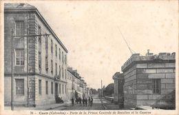 CAEN - Porte De La Prison Centrale De Beaulieu Et La Caserne - Caen