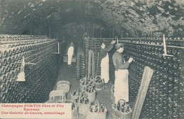 Champagne Fortin à Epernay (51 - Marne) Entreillage Des Bouteilles Dans Une Gallerie Des Caves - Circulée En 1910 - Epernay