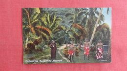 Tahiti    Porteur De Banannes Moorea -ref 2705 - Tahiti