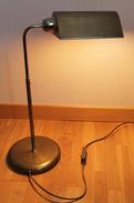 Lampe De Bureau Ancienne En Laiton. Abat-jour Orientable. - Luminaires