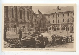 Abbaye Saint Benoit D'en Calcat : Le Travail Manuel (terrassement Fouilles) Moines (cp Vierge) - Altri