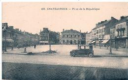 Cpa 36 Chateauroux  Place De La République - Chateauroux