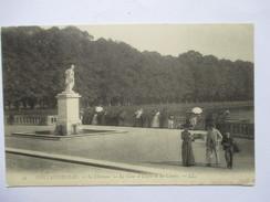 SEINE & MARNE   77    FONTAINEBLEAU -   LE CHATEAU - LA COUR D 'ULYSSE ET LES CARPES         ANIME      TTB - Fontainebleau