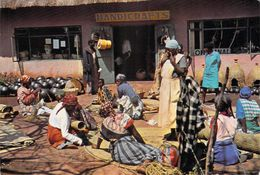 Afrique-  SWAZILAND Buying-in Day At Handicraft Market At Manzini (Honey Hill Photo G.Hosack  N°H.H 57) *PRIX FIXE - Swaziland
