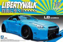Nissan R35 GT-R Ver.1 Libertywalk ( Aoshima ) 1/24 - Cars