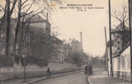 CPA - Bourg La Reine - Avenue Victor Hugo - Le Lycée Lakanal - Bourg La Reine