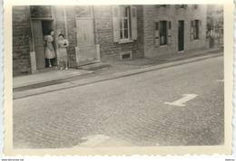 BEAURAING : Une Rue - Rare Photo Anonyme 1950 - Dimensions 9,9 / 6,2 Cm - Beauraing
