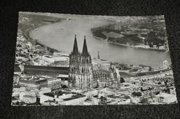2262-  Köln Am Rhein, Dom - Kerken En Kloosters