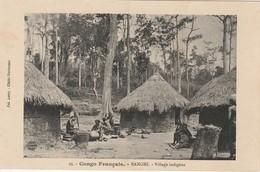 CPA CONGO FRANCAIS - BANGHI - Village Indigène - Congo Francese - Altri