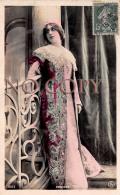 CPA - Portrait D' Artiste - Robinne - Par Reutlinger - Jolie Jeune Femme Pretty Young Lady - Théâtre Actrice - Artistes