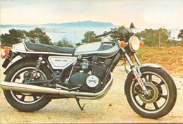 MOTO YAMAHA XS PLIURE BORD COTE GAUCHE - Motorräder
