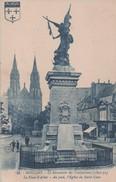MOULINS - Le Monument - La Place - L'Eglise - - Moulins