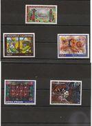 NOUVELLE CALÉDONIE Tableaux Années 2000/2004 N°Y/T : 814-846-881-907-935 **  Côte: 22,90 € - Unused Stamps