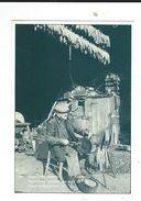 CPM  38  ARTAS 1990 Agriculteur Egrenant Son Mais - Autres Communes