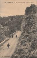 15 - CHAUDESAIGUES - Le Roc De Gibraltar Sur La Route De Laguiole (impeccable) - Other Municipalities