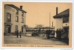 42 - CHAZELLES-SUR-LYON - L'Hôtel De Ville Et Les Bains-Douches - Sonstige Gemeinden