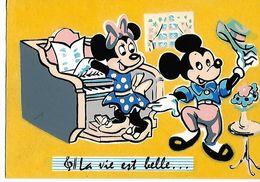 WALT -DISNEY   DISNEY    LA VIE EST BELLE  FEUTRINE - Disney