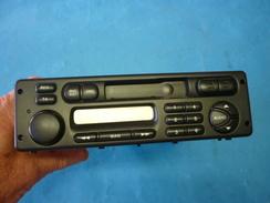 AUTO RADIO PHILIPS Neuf Avec Code (voir 4 Photos ) - Radio & TSF