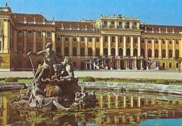 Wien   H413            Schloss Schönbrunn.   Nordfront Mit Ehrenhof - Château De Schönbrunn
