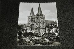 2350- Dom-Café, Xanten A N.'rhein - Kerken En Kloosters