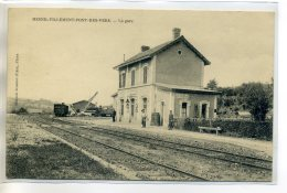 14 MESNIL VILLEMENT Des VERS La Petite Gare Voies De Chemin De Fer Engin Manutention    --D14-S2017 - Autres Communes