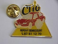 Pin's - RENAULT - Garage - Renault CLIO - Repovy SEMECOURT - Renault