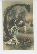 FEMMES - FRAU - LADY - Jolie Carte Fantaisie Femme Avec Enfant Chasse Aux Papillons  - LETTRE DE L'ALPHABET C - Women
