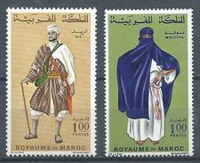 Maroc YT N°553/554 Costumes Neuf ** - Marocco (1956-...)