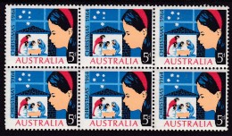 AUSTRALIA 1964 Christmas Sg 372 Mint Never Hinged - 1952-65 Elizabeth II : Pre-Decimals