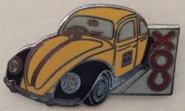 VOITURE COX - COCCINNELLE DE LA POSTE SUISSE - VOLKSWAGWEN - VW - JAUNE ET NOIRE - CAR POSTAL -    (ROUGE) - Volkswagen