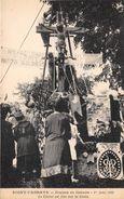 08-SIGNY-L'ABBAYE- ERECTION DU CALVAIRE 1er JUIN 1925,  LE CHRIST EST FIXE SUR LA CROIX - France