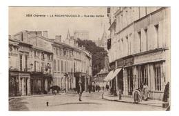 16 CHARENTE - LA ROCHEFOUCAULD Rue Des Halles - France