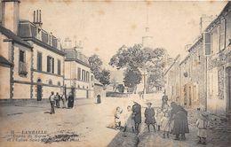 LAMBALLE - Entrée Du Haras Et L'Eglise Saint Martin - Lamballe