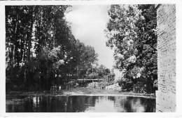02 - CRECY SUR SERRE : La Passerelle Du Moulin - CPSM PF 1958 - Aisne - Andere Gemeenten