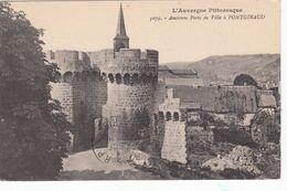 Cp , 63 , PONTGIBAUD , Ancienne Porte De Ville - Frankreich