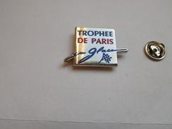 Superbe Pin's En Zamac , Trophée De Paris Sur Glace , Patinage Artistique - Skating (Figure)