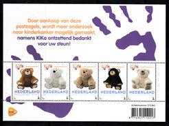 Nederland 2017 Persoonlijke Zegel PostNL: Thema: KiKa Kinderkanker, Childhood Cancer, Beer, Bear - Period 2013-... (Willem-Alexander)