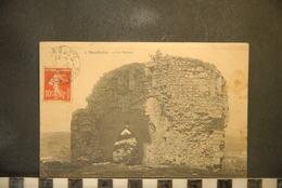 CP, 91. Essonne : Montlhery .les Ruines - Montlhery