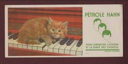 BUVARD - PETROLE HAHN - Chat Sur Le Piano - Pour L'entretien Des Cheveux  - 2 Scannes. - Buvards, Protège-cahiers Illustrés