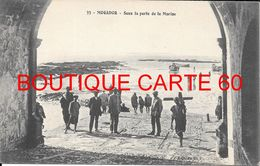 MAROC - MOGADOR - SOUS LA PORTE DE LA MAIRIE - Algeria