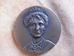 Medaglia Monumento Ad Elena Di Savoia Montpellier Francia 1989 Incisa Da CATERINI - Unclassified